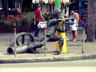 soldier sculpture rio travel music